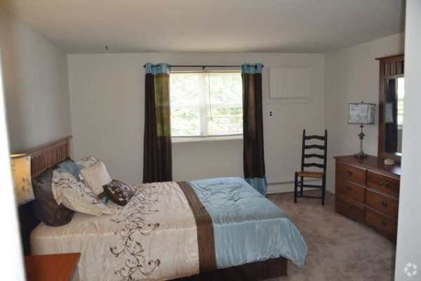 willow-pointe-apartments-burlington-nj-bedroom (6)
