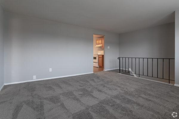 willow-pointe-apartments-burlington-nj-living-room (1)