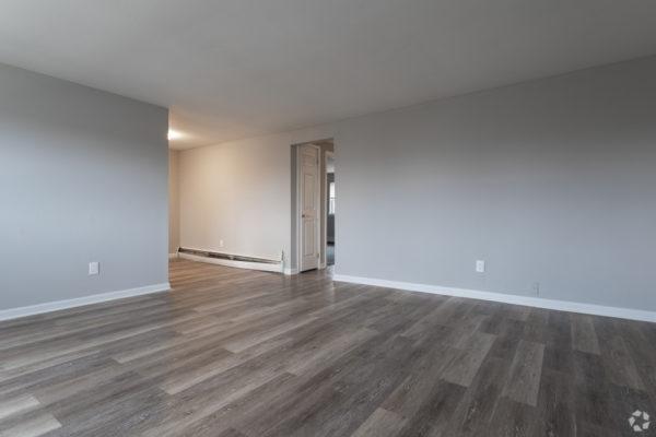 willow-pointe-apartments-burlington-nj-living-room